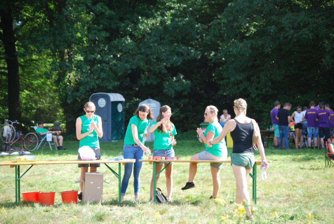 Vrijwilligers tijdens een activiteit